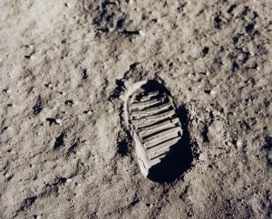 ApolloFootprint-Take-A-Stand